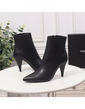 Yves Saint Laurent Boots For Women #709450