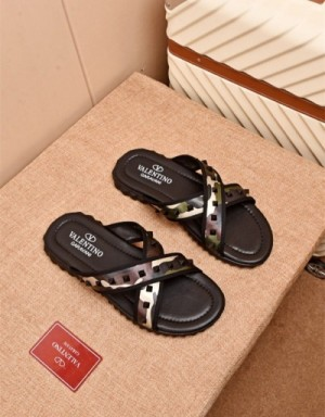 Valentino Slippers For Men #747333