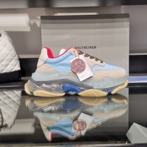 Balenciaga Casual Shoes For Women #759320