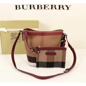 Burberry AAA Messenger Bags #760437