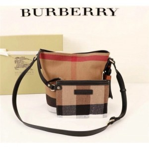 Burberry AAA Messenger Bags #760438