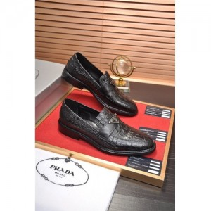Prada Leather Shoes For Men #763607