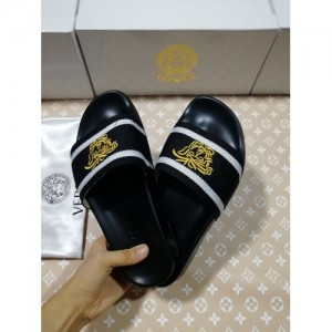 Versace Slippers For Women #767547
