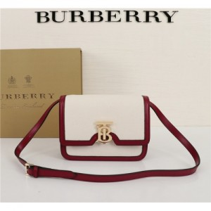 Burberry AAA Quality Messenger Bags For Women #768255