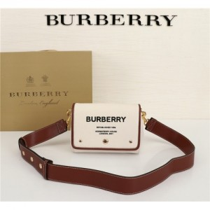 Burberry AAA Quality Messenger Bags For Women #770564