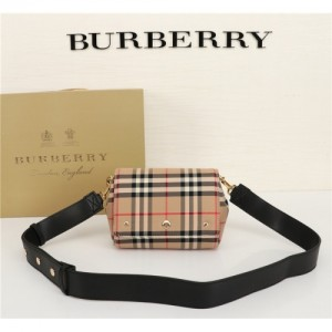 Burberry AAA Quality Messenger Bags For Women #770565