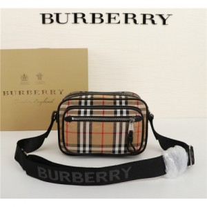Burberry AAA Quality Messenger Bags #770566