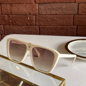 Givenchy AAA Quality Sunglasses #771121