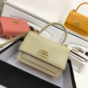 Balenciaga AAA Quality Handbags For Women #772993