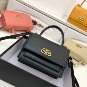 Balenciaga AAA Quality Handbags For Women #772994