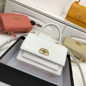 Balenciaga AAA Quality Handbags For Women #772995