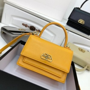Balenciaga AAA Quality Handbags For Women #772998