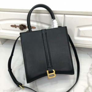 Balenciaga AAA Quality Handbags For Women #774493