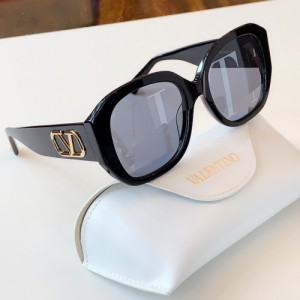 Valentino AAA Quality Sunglasses #776313