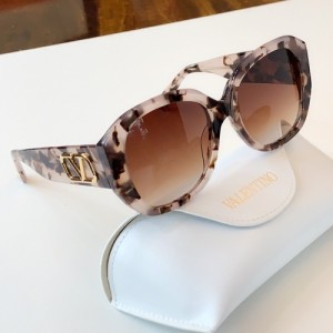 Valentino AAA Quality Sunglasses #776314